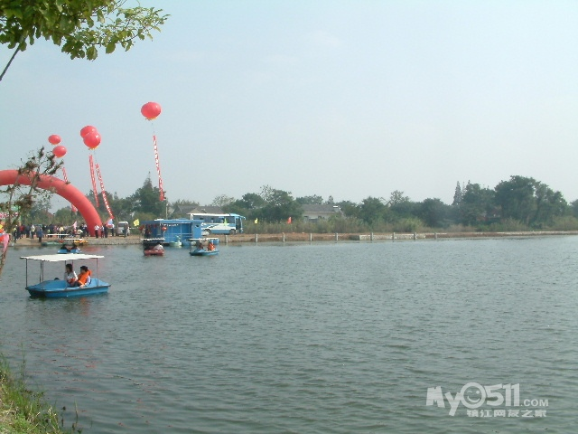 江心洲具有美丽的江岛自然风光,田园景色和滩涂湿地资源,有数不尽的半