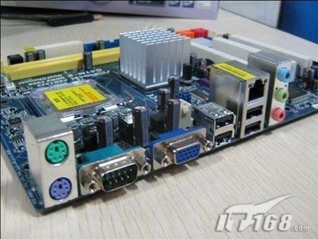 华擎g41m-s主板在i/o方面提供1个vga输出接口