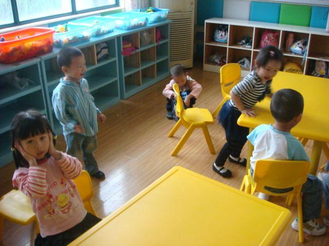 03 我上幼儿园了——小四班;; 我上幼儿园歌曲简谱分享_我上幼儿园