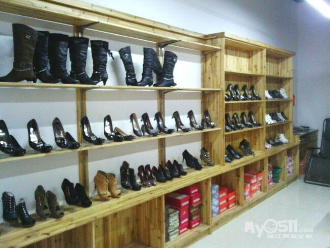 小型鞋店复古装修图