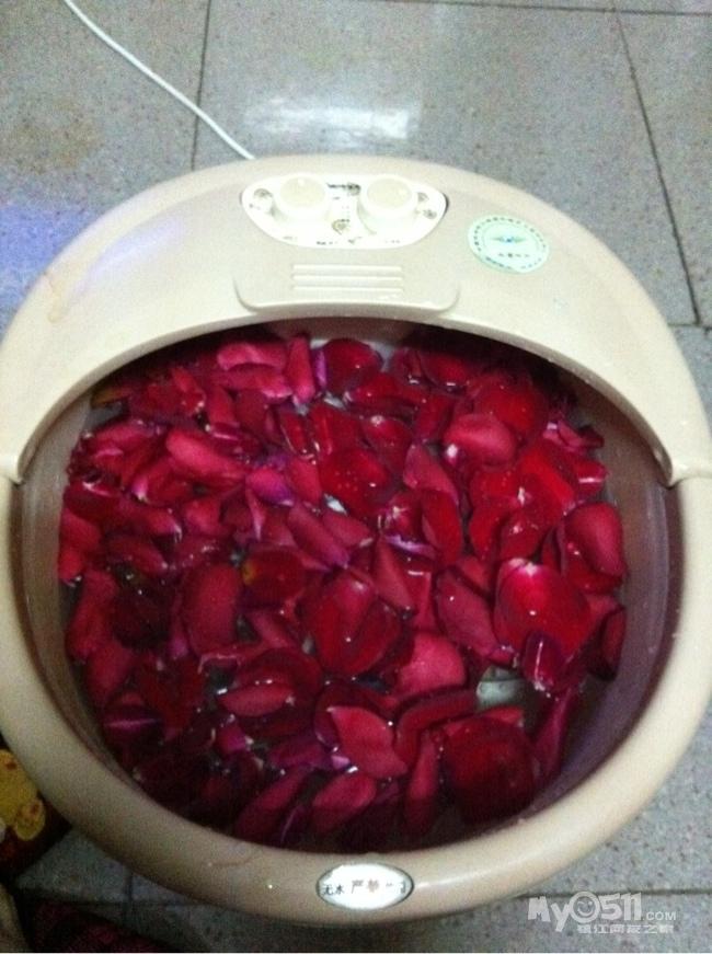 标题: 用老公求婚那天玫瑰自制立体画一枚