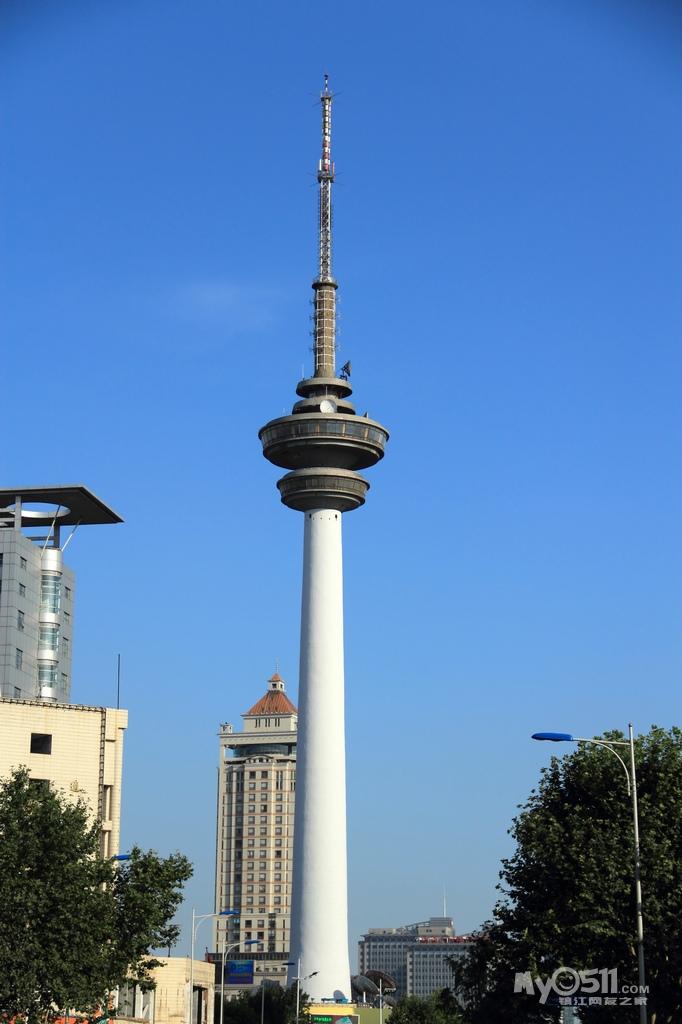 濠河畔的南通电视塔