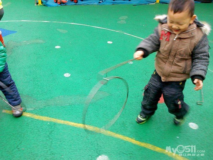 """2012小牛津幼儿园""""自制体育器械""""评比活动精彩pp"""