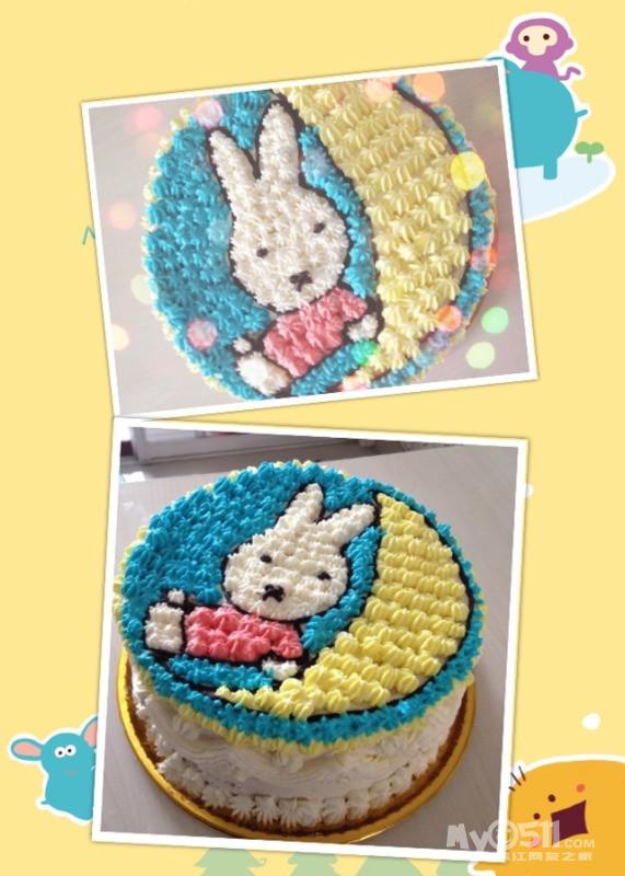 这个是点点一周岁的生日蛋糕,应为宝贝是属兔兔的,所以做了个米