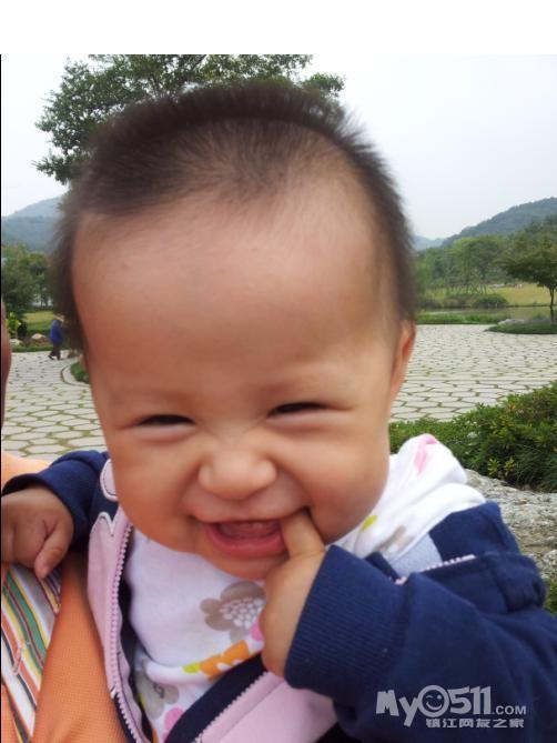 爱笑的小美女张肉肉