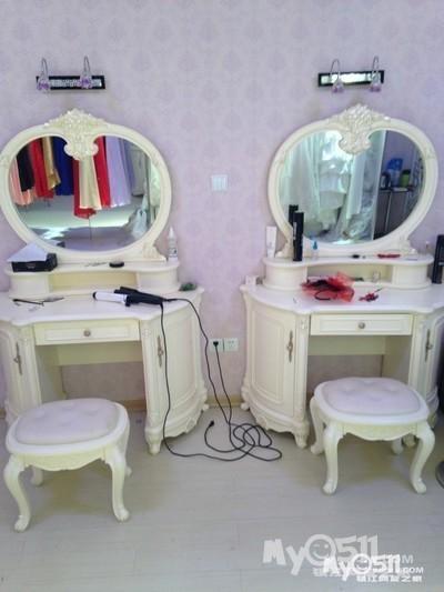 转让欧式梳妆台,欧式沙发,办公桌椅,婚纱专业化妆箱