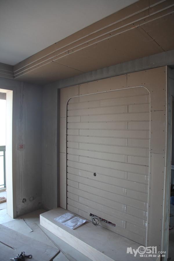 电视背景墙做木工完成