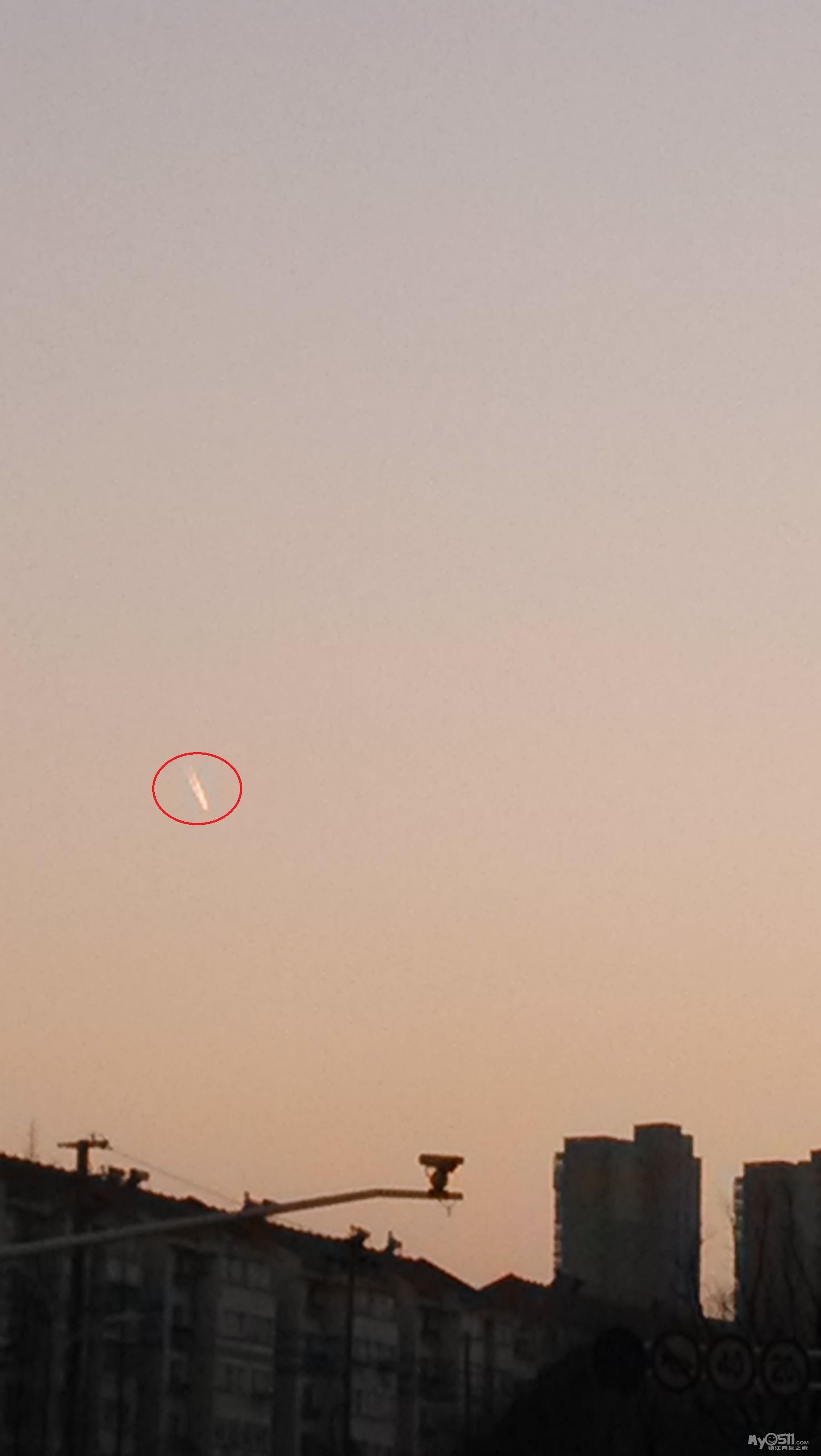 今天镇江是不是有飞机坠落了 难道是马航的mh370吗 有视频高清图片