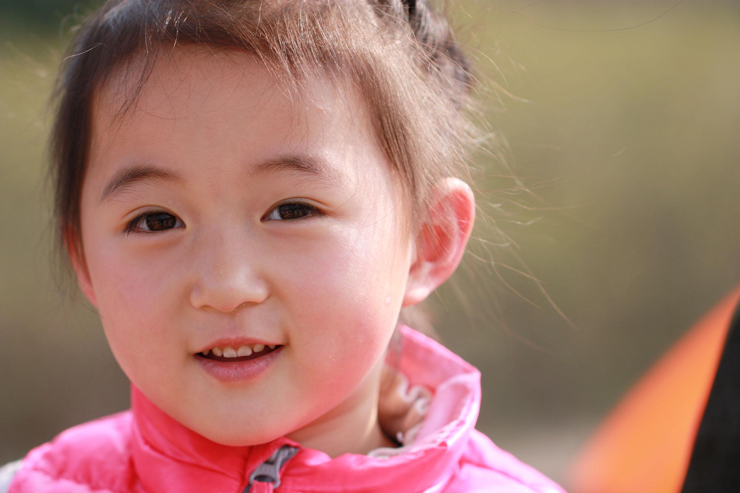 可爱的小孩 笑脸