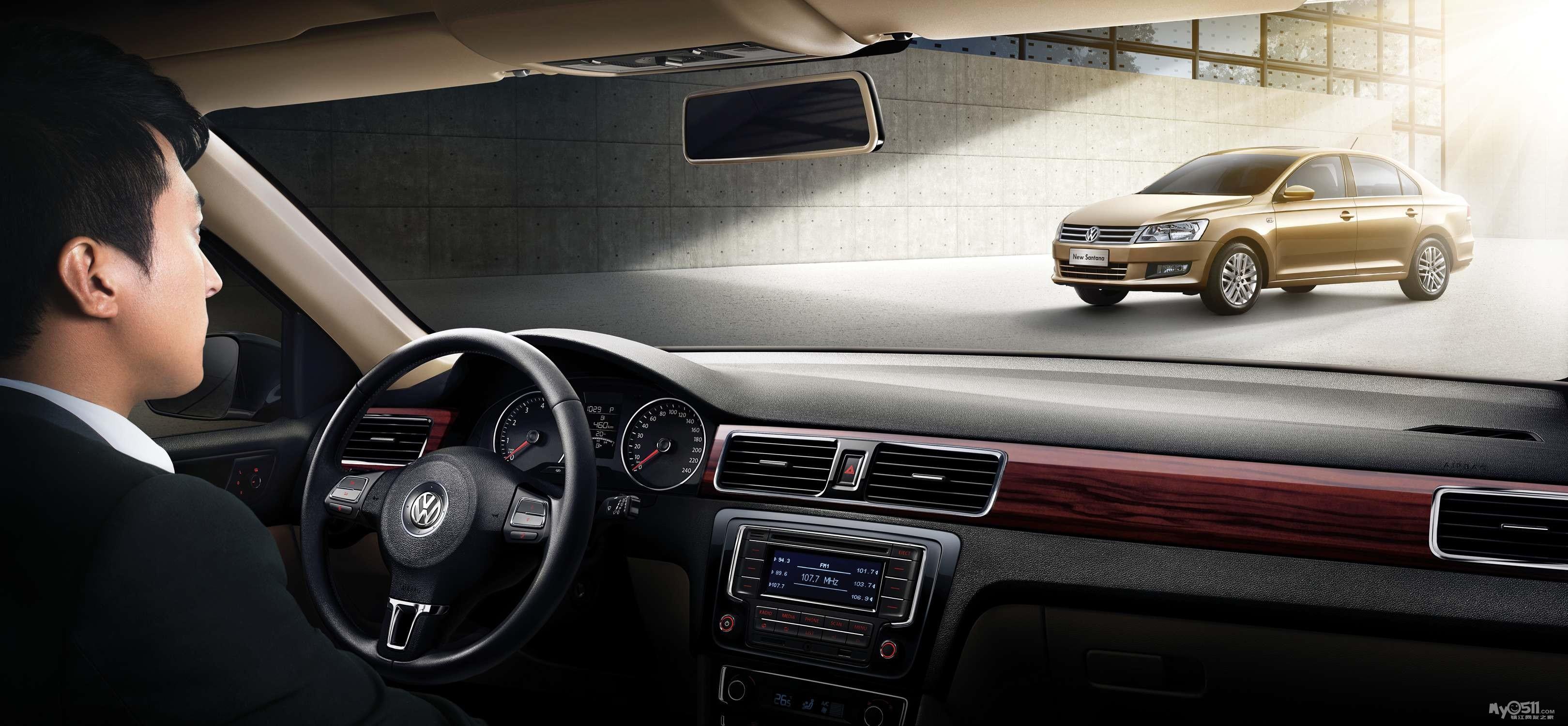 桑塔纳应运而生,凭借其稳重大气的外观设计、舒适实用的驾乘高清图片
