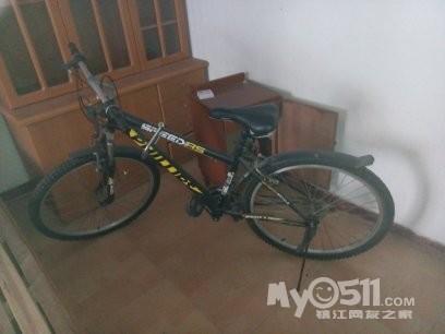 一辆山地自行车8成新低价转让100块