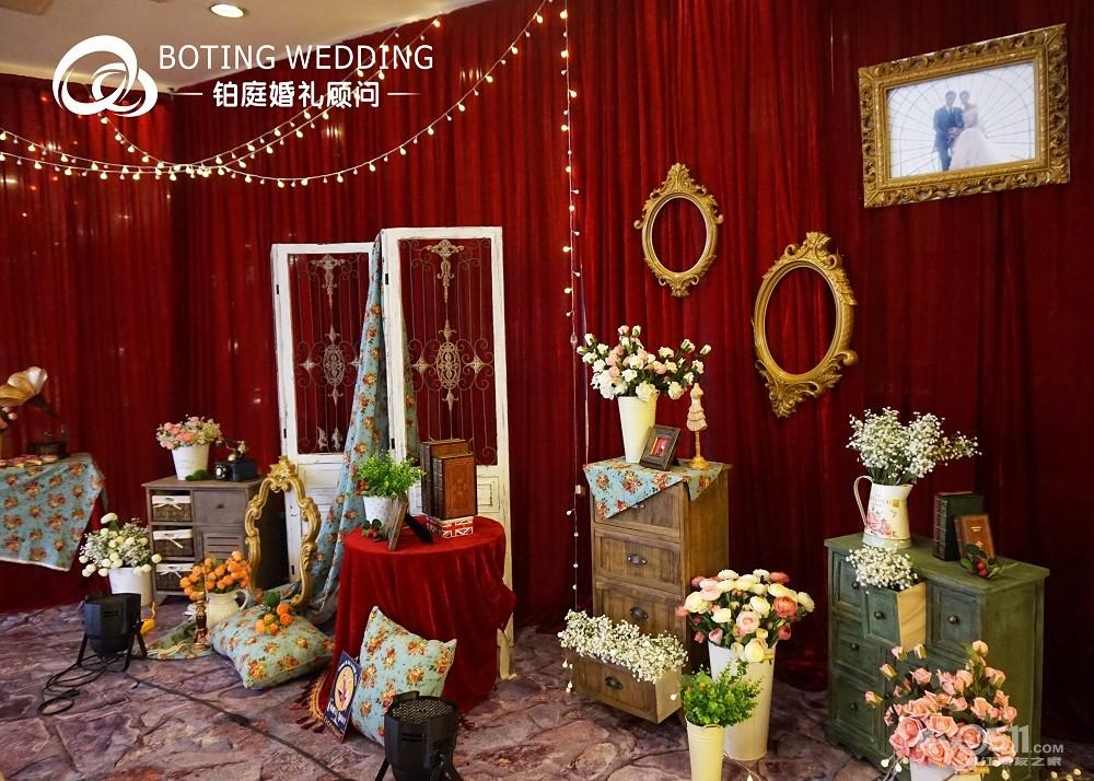 29锦绣皇宫1楼大厅~~~~欧式复古红色主题婚礼布置