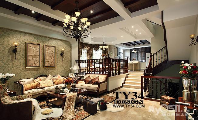 金意陶的客厅地砖和大理石错层的台阶也是一气呵成