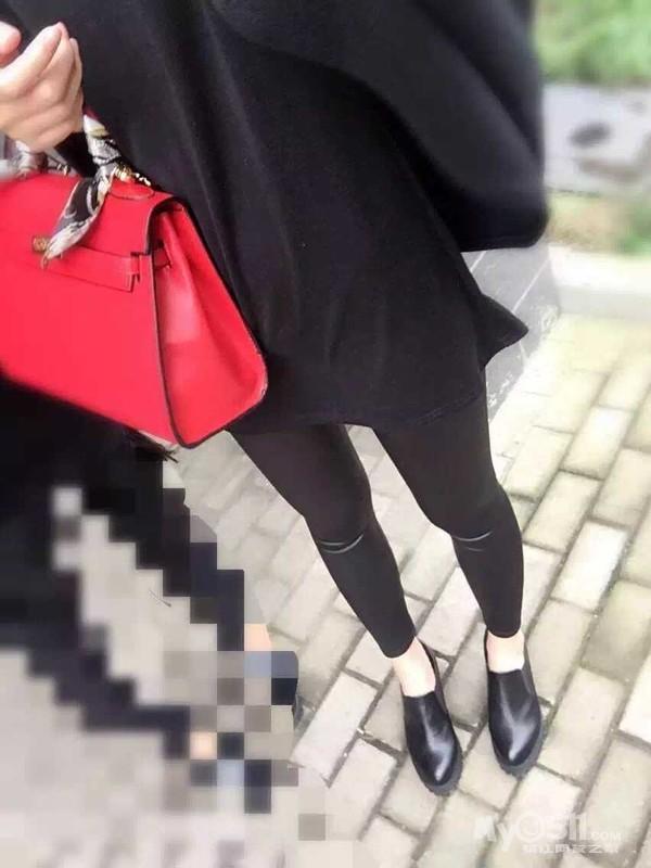 韩国.. 奕薇 皮裤太美腻 瘦身裤 招代理 价格超美丽哦