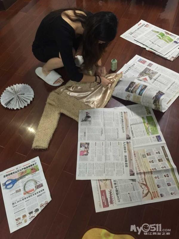布置 装修 镇江/两个人在家帮孩子准备学校布置的作业,废报纸做衣服,我也是...