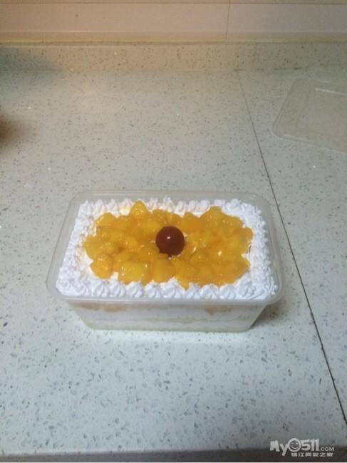 水果蛋糕卷装饰_奶油水果装饰蛋糕卷的做法大全_奶油水果装饰